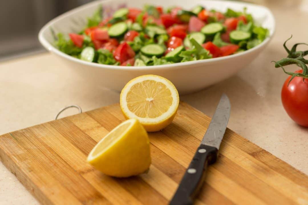 citron et tomates pour acne